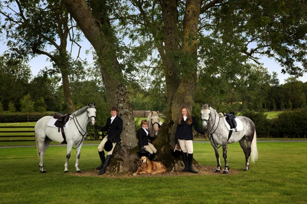 Family Equine & dog Photography by Ni Riain Photogaphy
