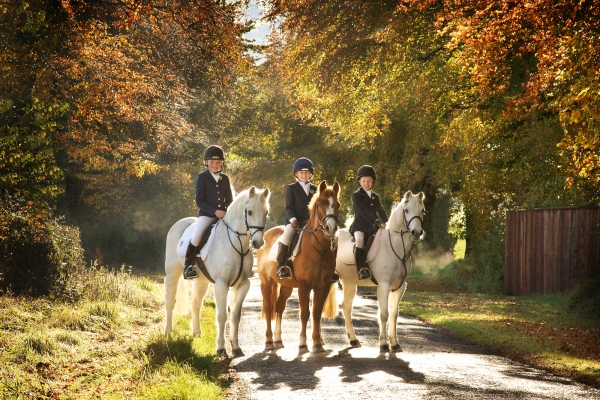 Kevin-ORyan-Angela-Crowley-children-on-ponies-ireland-Ni-Riain-Fine-Art-equine-photography