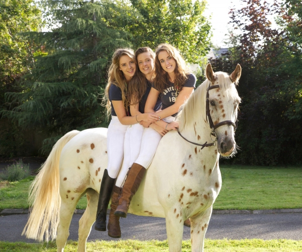 mcsweeney-sisters-limerick-equine-photo-shoot-by-ni-riain-photography-ireland
